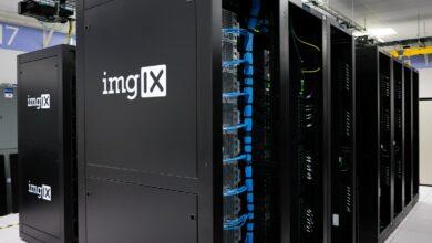 Des datas servers dans un centre.